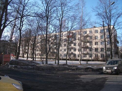 ул. Летчика Пилютова 15