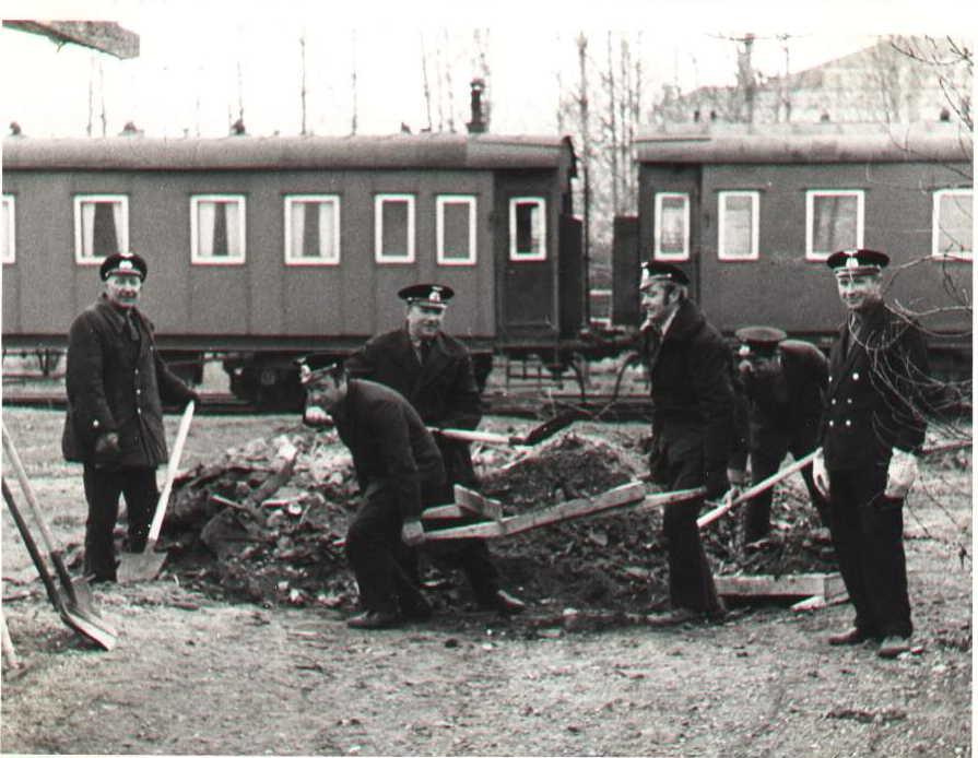1960-е. Псковские железнодорожники на субботнике