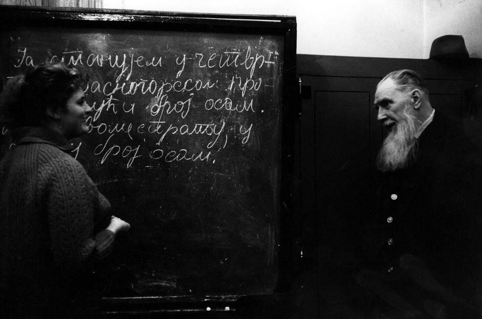 Илья Ильич Толстой, внук Льва Толстого. Он преподает сербскохорватский в Московском университете.