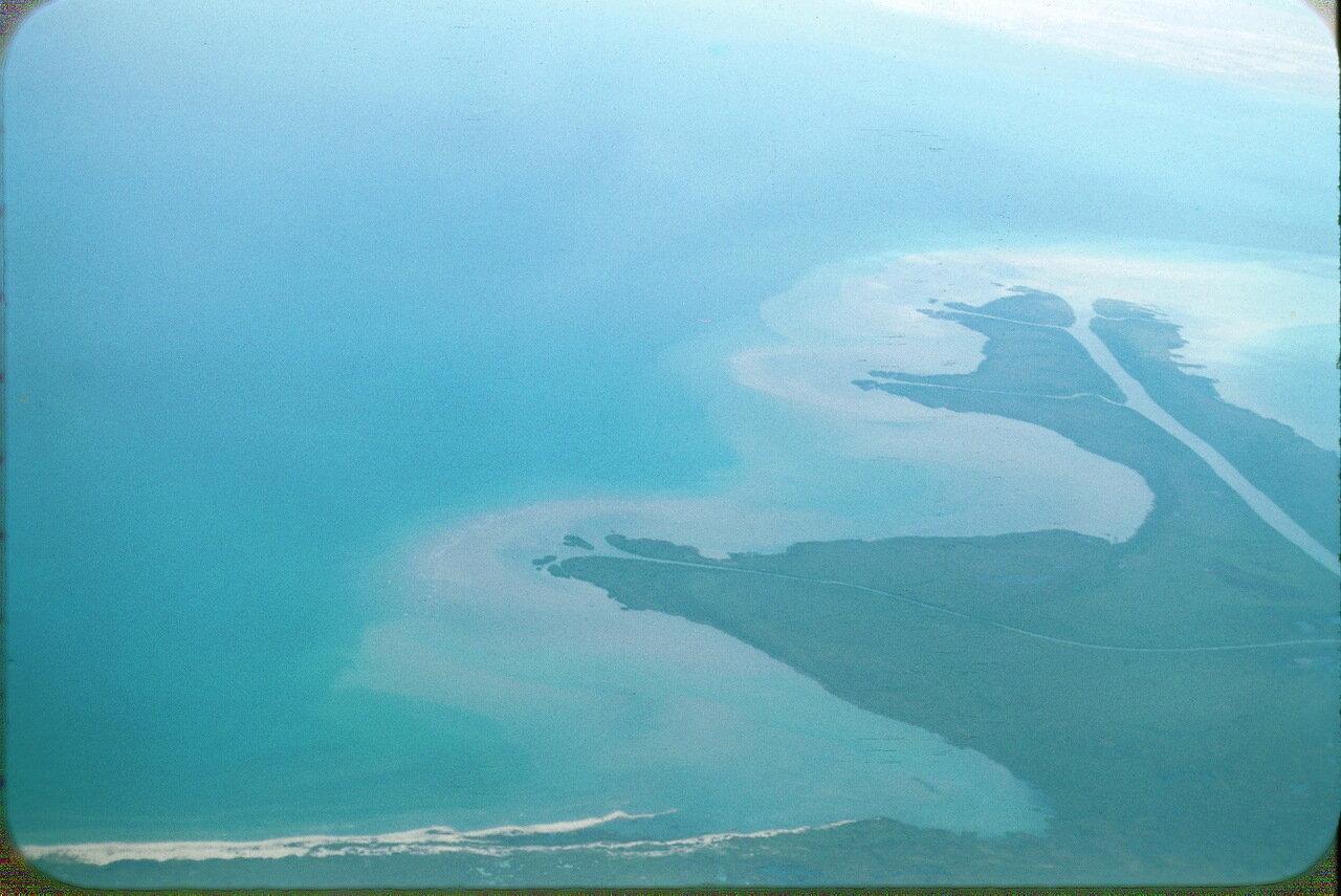 26. Место впадения реки Сыр-Дарья в Аральское море.