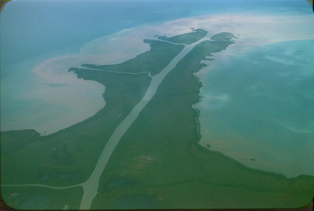 27. Место впадения реки Сыр-Дарья в Аральское море.