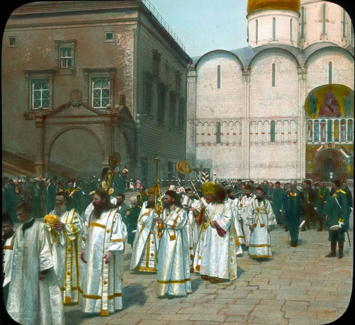 Москва. Церемония благословения яблок