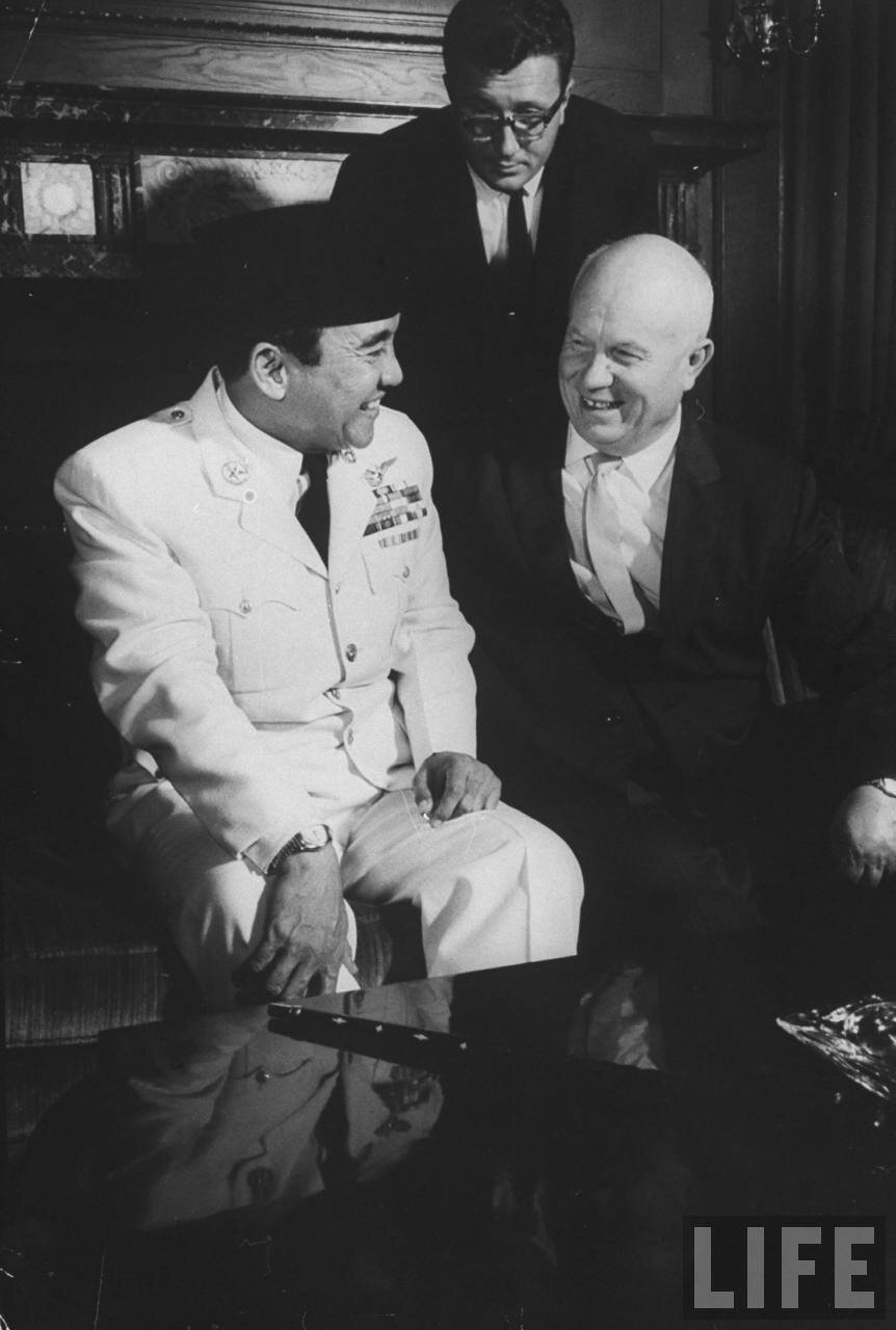 Сукарно  и Никита Хрущев во время сессии Генеральной Ассамблеи Организации Объединенных Наций