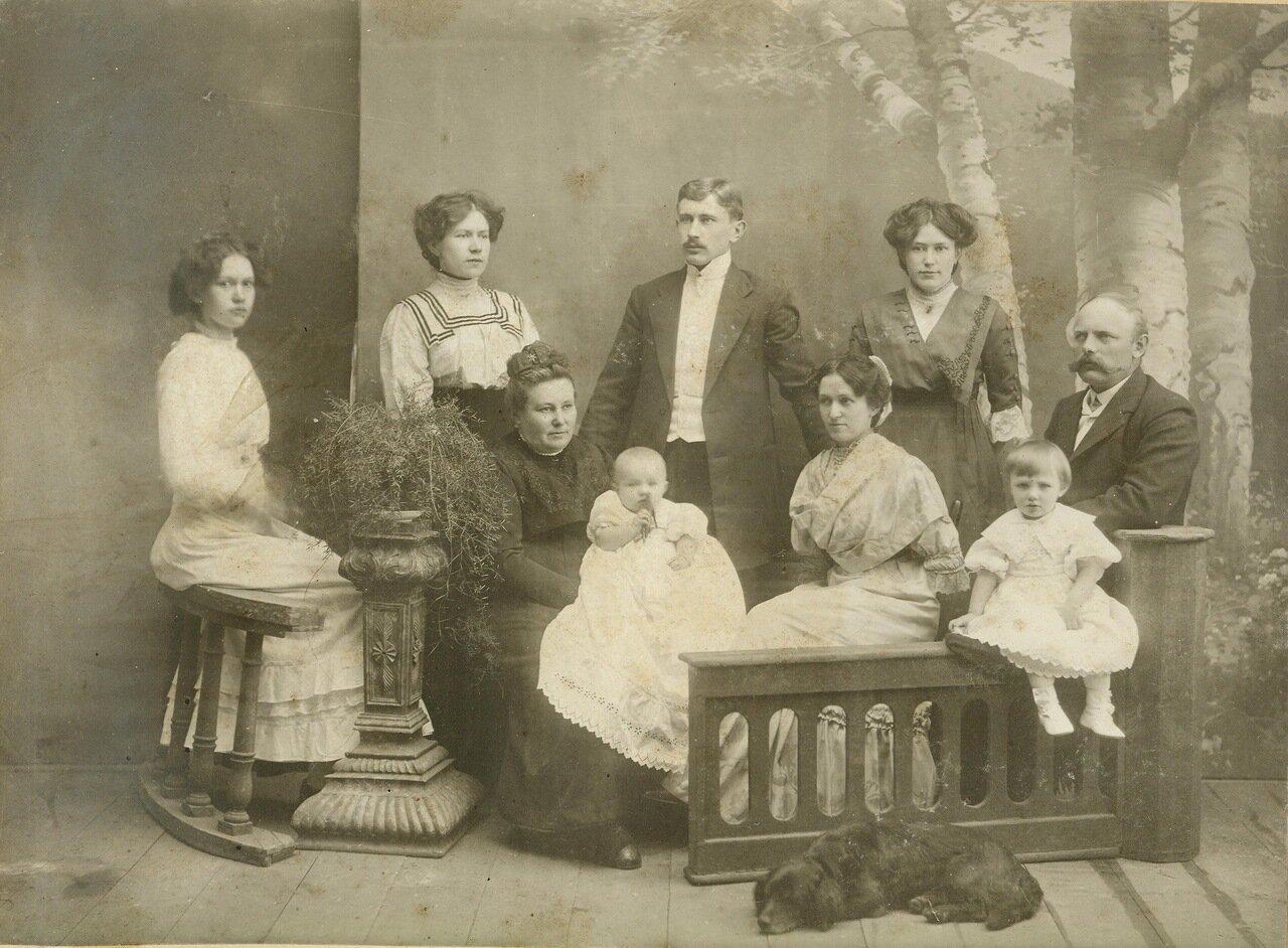 Семья Анны Ремпель Эпп. Хортица, около 1900 г.