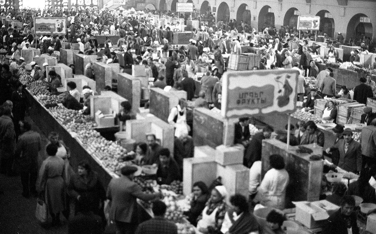 На рынке в Ереване
