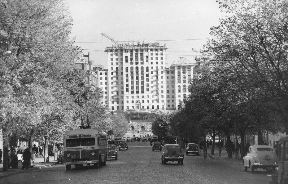 1954.10.18. Улица Ленина (ныне улица Богдана Хмельницкого)
