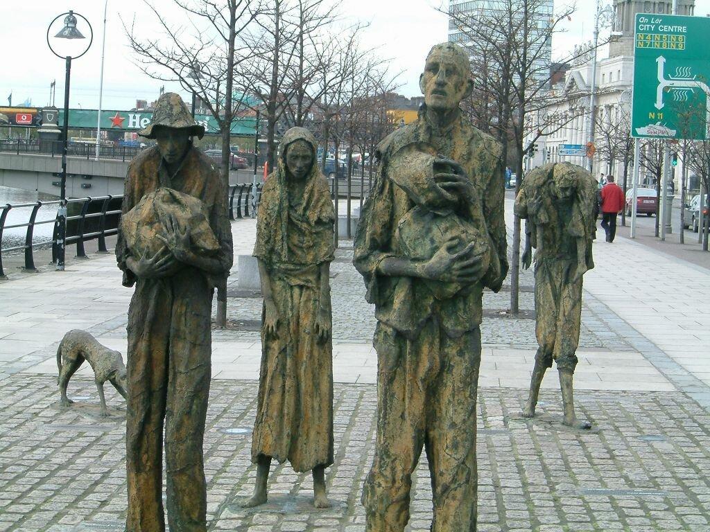 Famine_memorial_dublin Мемориал жертвам голода  в Ирландии