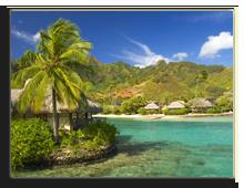 Французская Полинезия. Sandy tropical beach with bungalow. Фото  Sebastien Burel - shutterstock