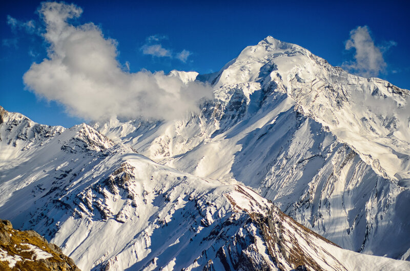 снежные вершины гор, гималаи, непал