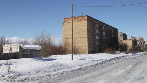 Фото города Инта №4053  Юго-восточный угол Дзержинского 1 01.04.2013_12:23