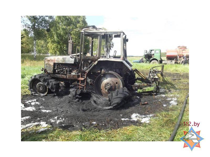 В Солигорском районе на поле сгорел трактор