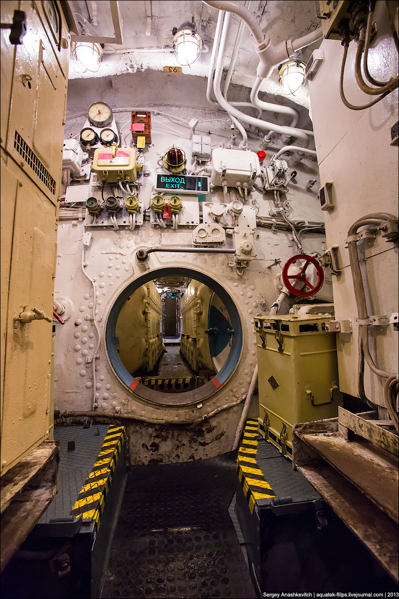 Зачем на подводных лодках включали красный свет