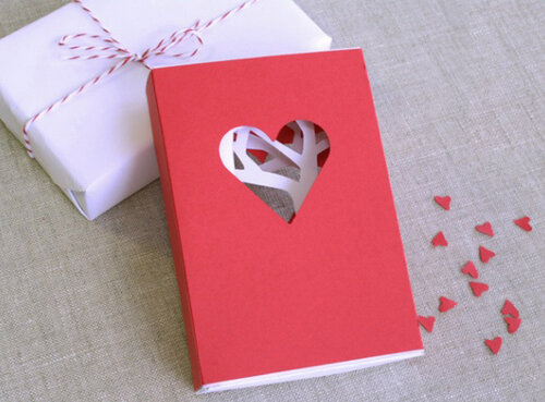 Подарки из картона на День Влюбленных