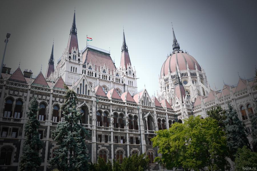 Будапешт. Парламент. Снято фотокамерой Panasonic Lumix GF5