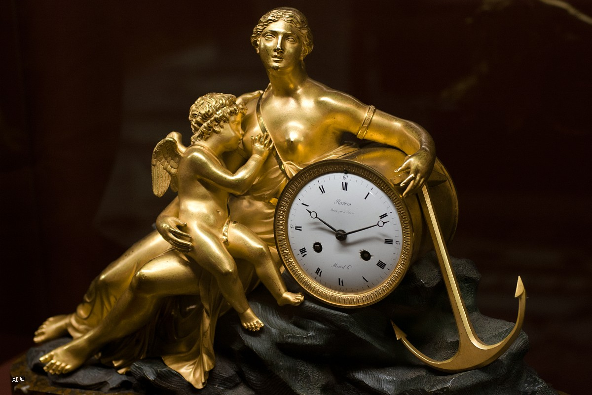 Часы каминые «Надежда, питаюшая любовь», Франция, 1810