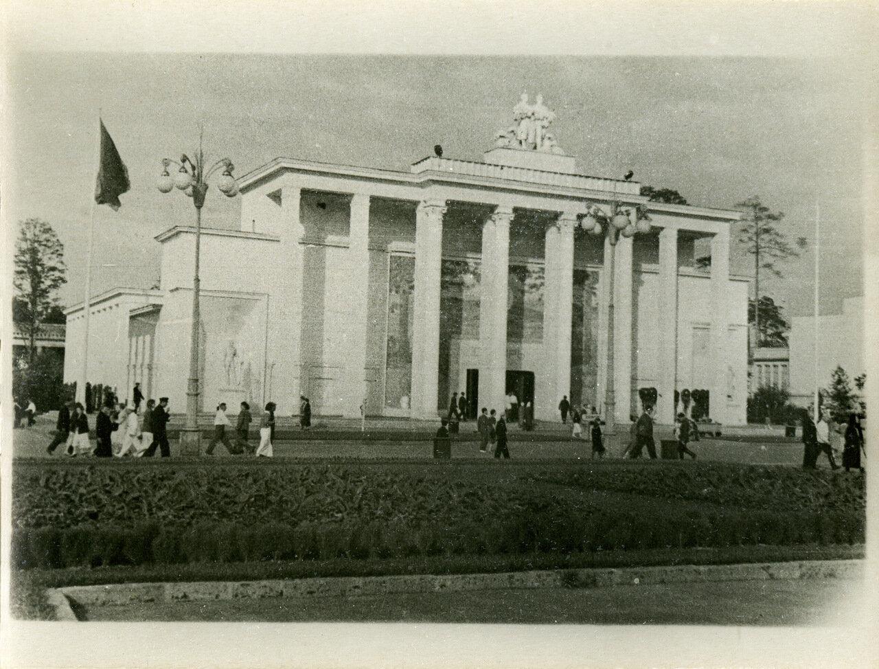 ВСХВ 1940. Павильон Урала