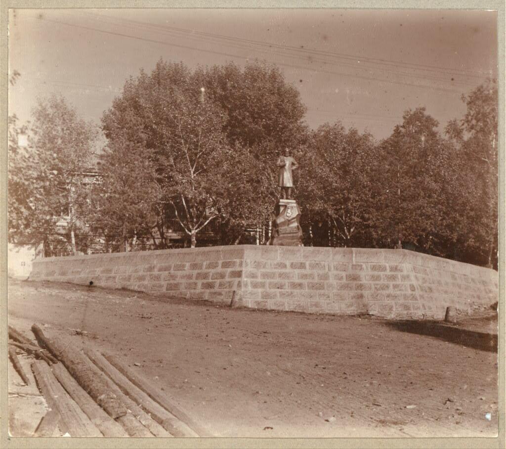 Памятник Императору Александру III в Кушве. 1909