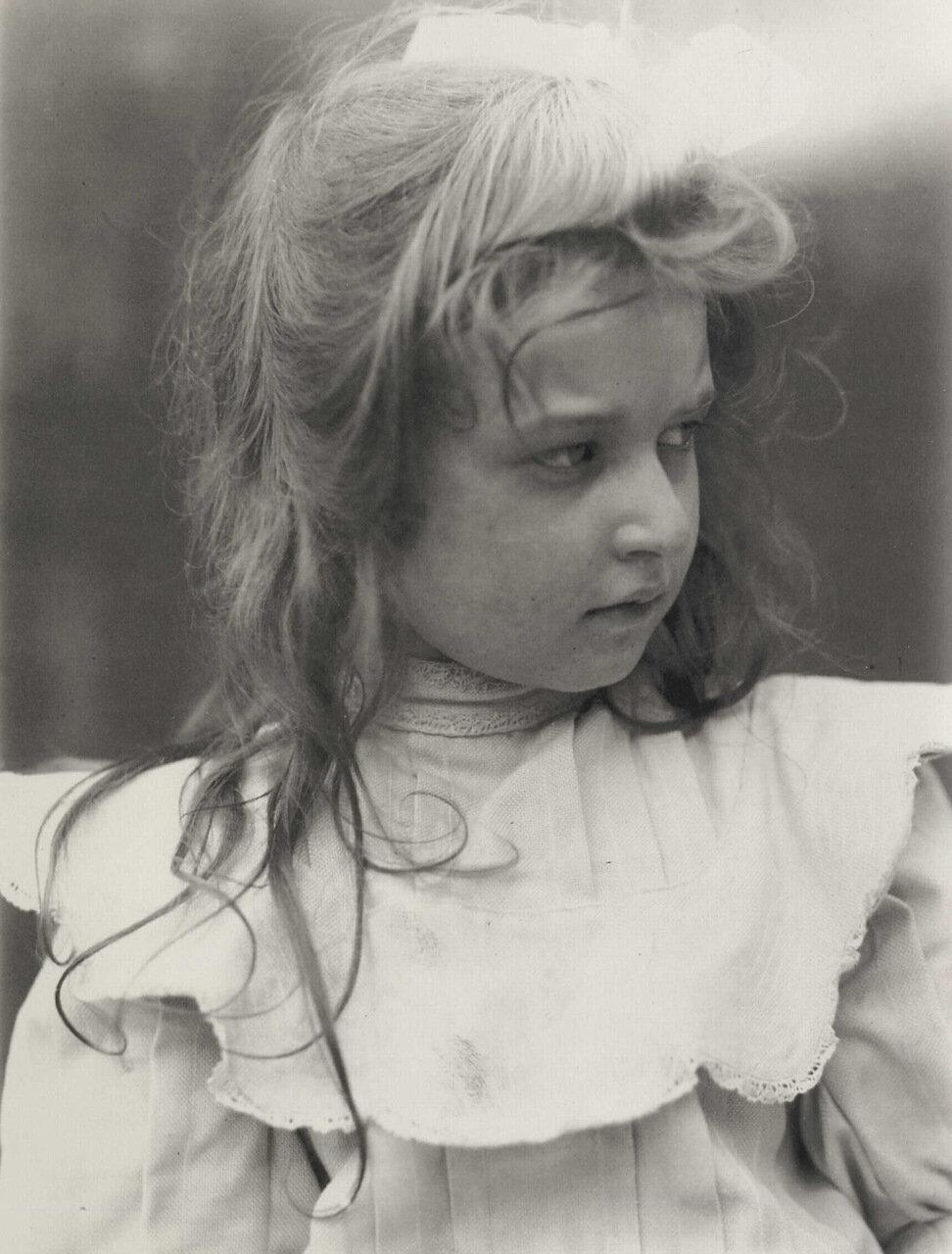 Полетт Брулат, дочь Поля Брудата, писателя