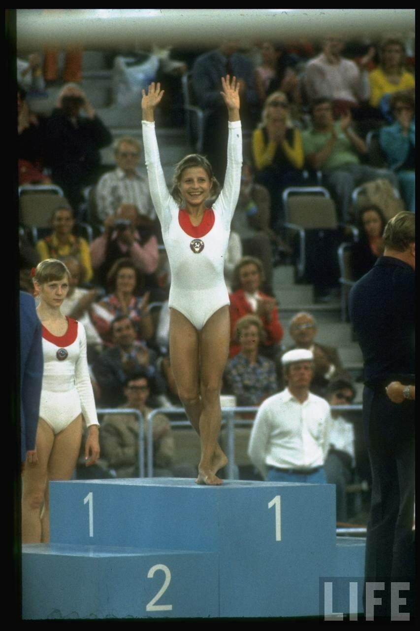 Ольга Корбут после победы на летних Олимпийских играх