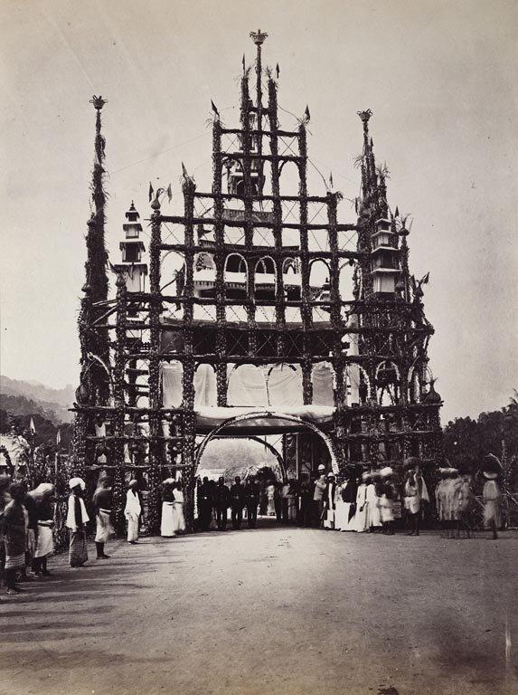 Одна из приветственных арок в честь Его Королевского Высочества Принца Уэльского в Канди на Цейлоне