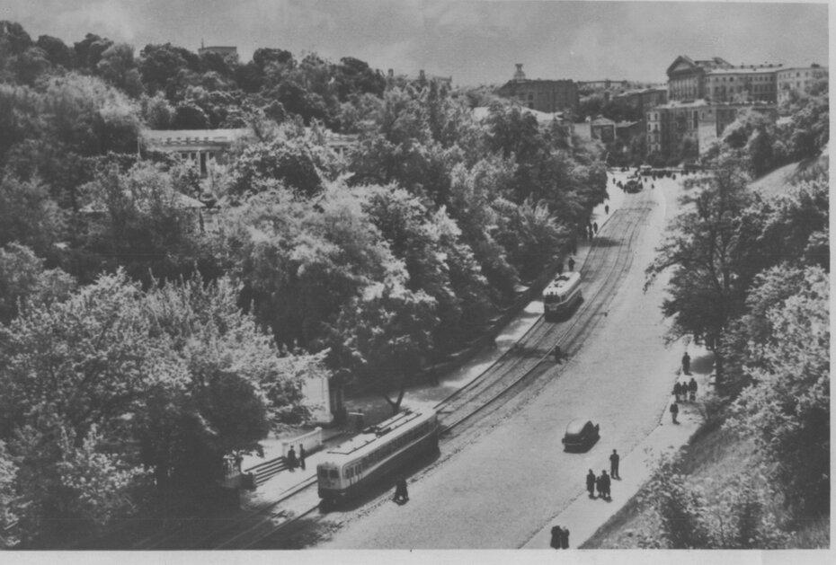 1953. Трамваи на Владимирском спуске. Фото: Огарков В.М.
