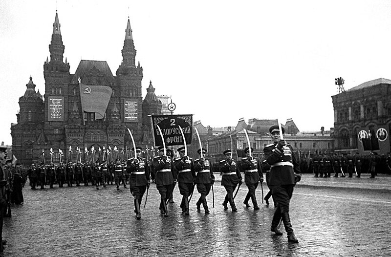 С днем Победы советского народа в Великой Отечественной войне!