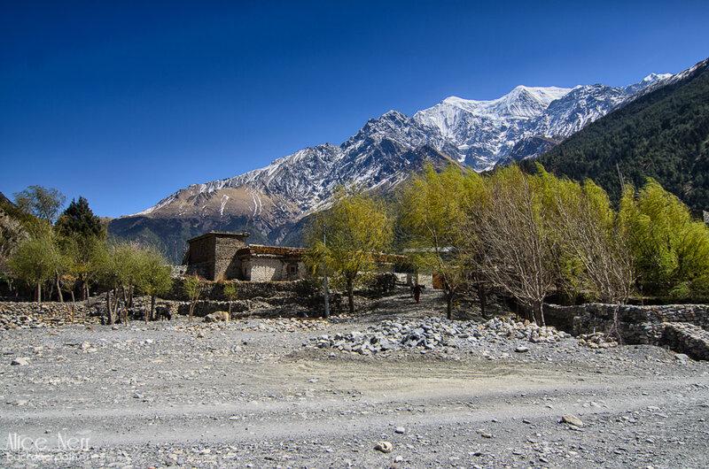 виды по дороге в Тукуче, Гималаи, Непал