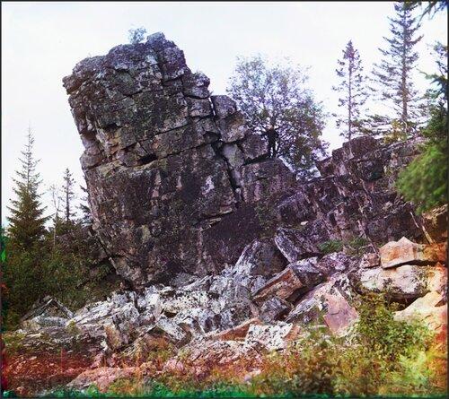 Скала наТяжелом железном руднике