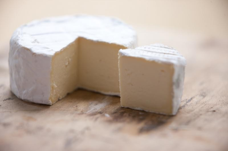 18. Сохраните свой сыр Сыр можно замораживать. После еды сложите остатки сыра обратно в упаковку, хо