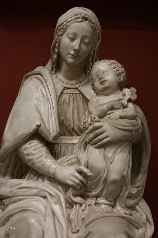 Бенедетто да Майано, Мадонна с Младенцем, слепок, подлинник в Национальном музее Флоренции, Италия