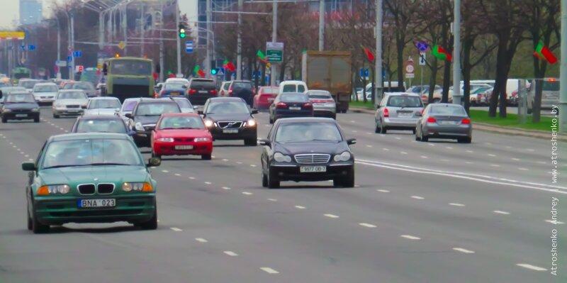 автомобильное движение на первое мая