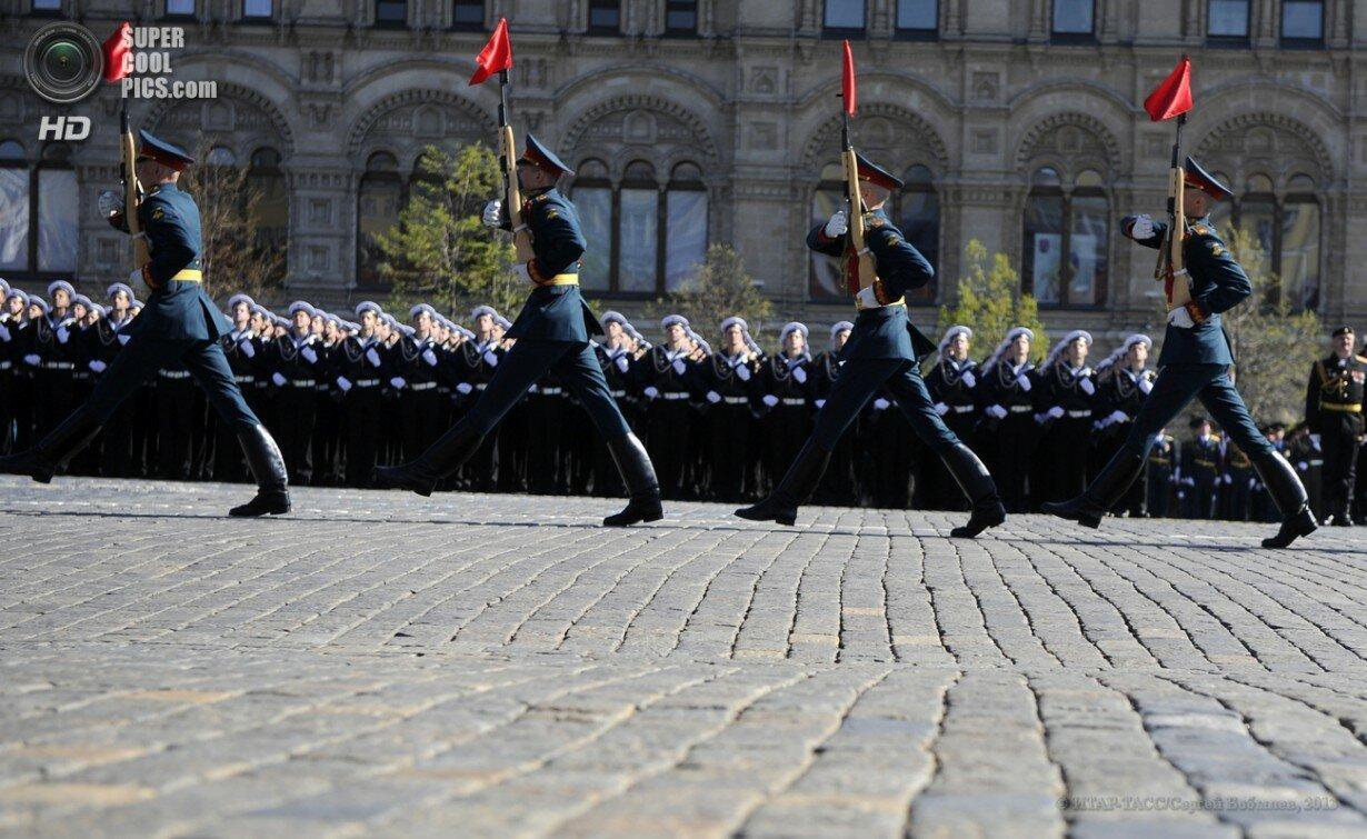 Парад Победы на Красной площади в честь 68-й годовщины победы в Великой Отечественной войне