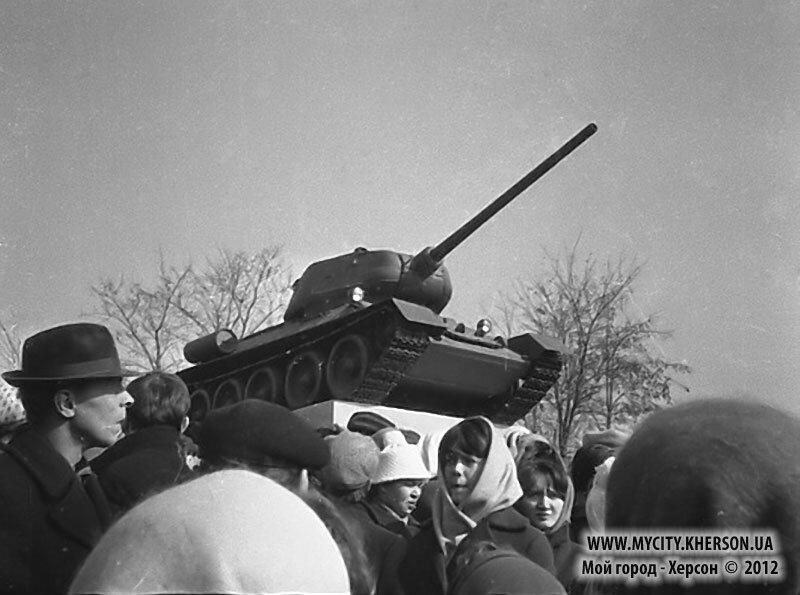 Открытие памятника – танка «Т-34»