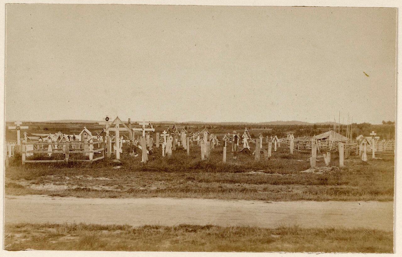 Сумский Посад, Кладбище возле села