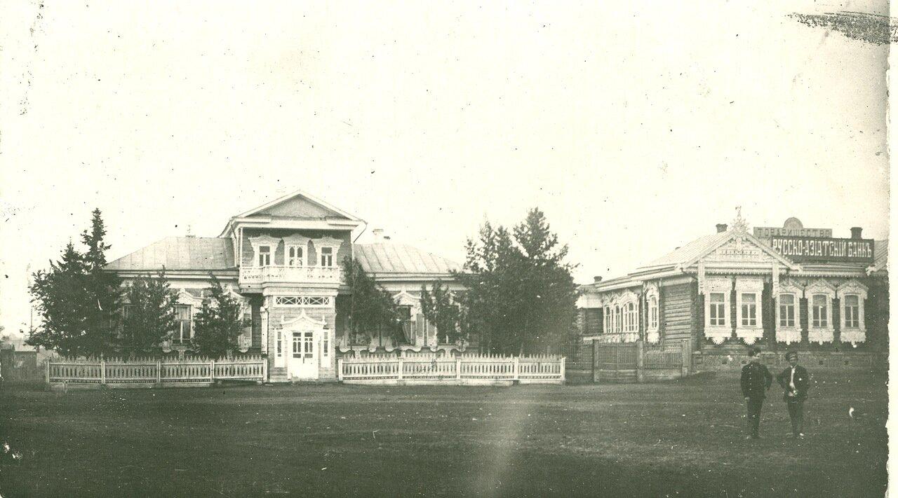 Базарная пл. Вид на дом Акулова