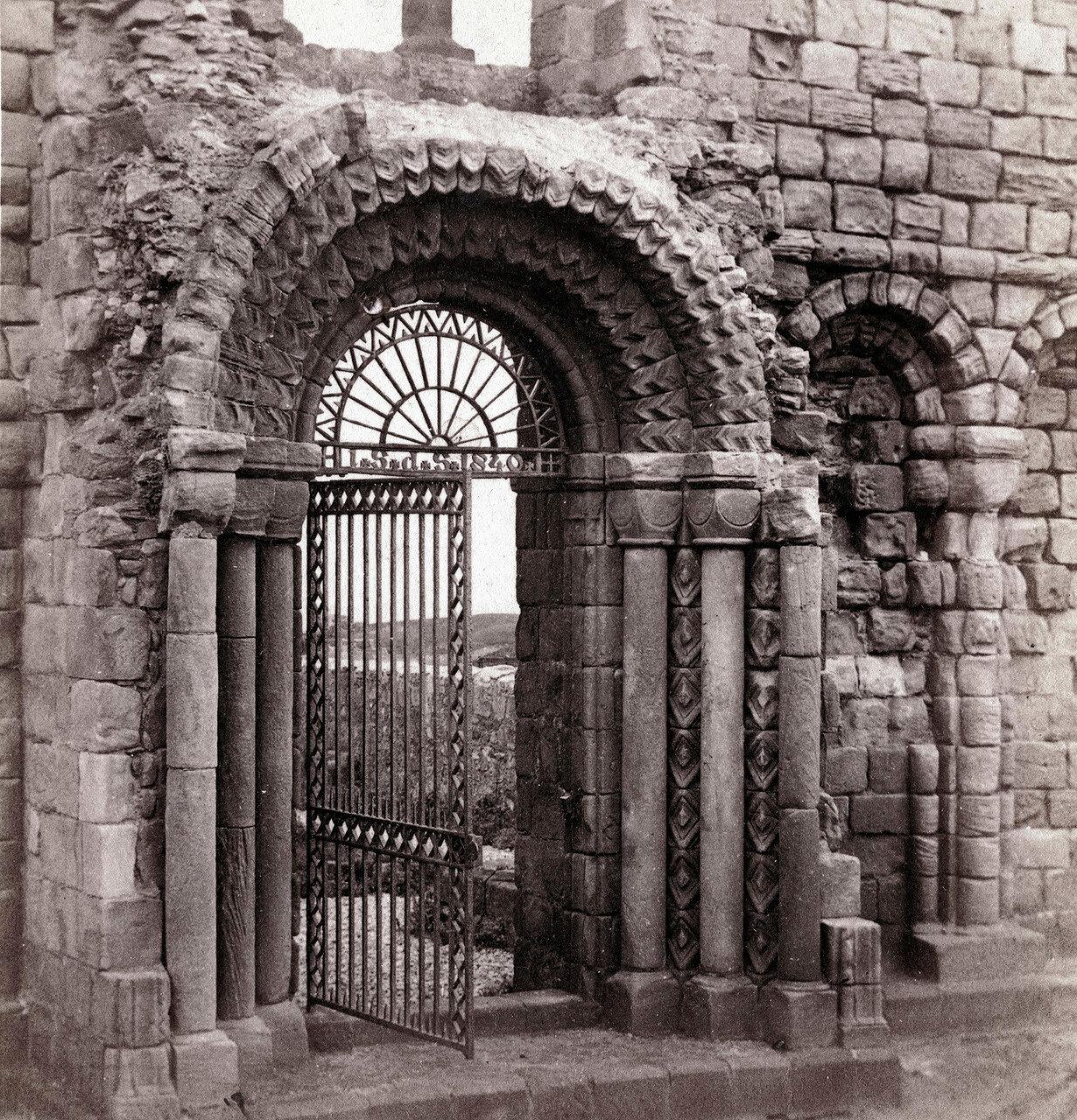 Линдисфарнский замок, Норманская арка. Великобритания, 1864
