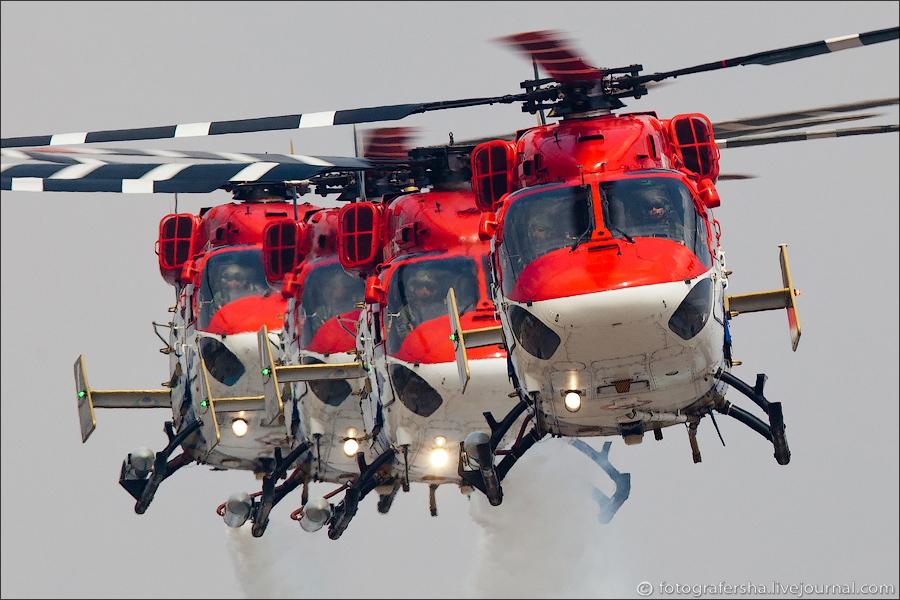 Авиашоу в Индии: вертолётная пилотажная группа ВВС Индии