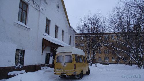 Фотография Инты №2724  Восточная сторонаГеологической 5а и южная сторона Гагарина 1 31.01.2013_13:09