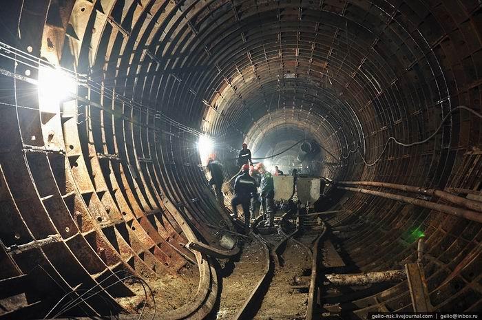Екатеринбу5a8ргский метрополитен. Архитектура и интерьеры подземки