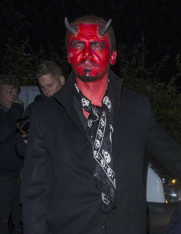 знаменитости-хэллоуин-образ-фото7.jpg