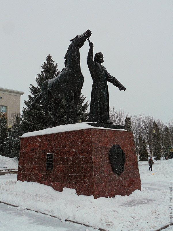 Памятник Ивану Медкову, г. Бирюч