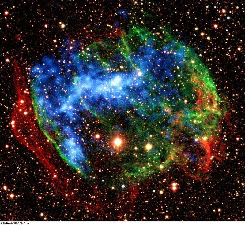 Туманность W49B на месте взрыва сверхновой