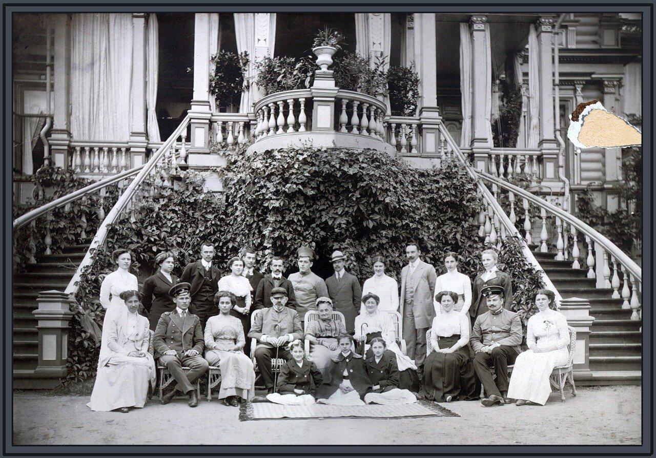 Семейный портрет Гарелиных