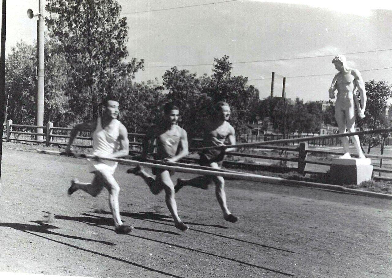1951.Москва. Бывшая усадьба Разумовского на Гороховом поле