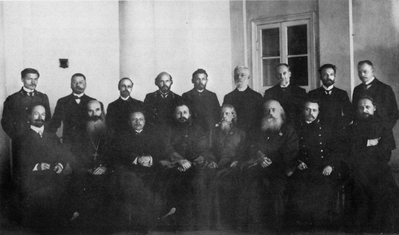 Преподаватели Духовной семинарии.
