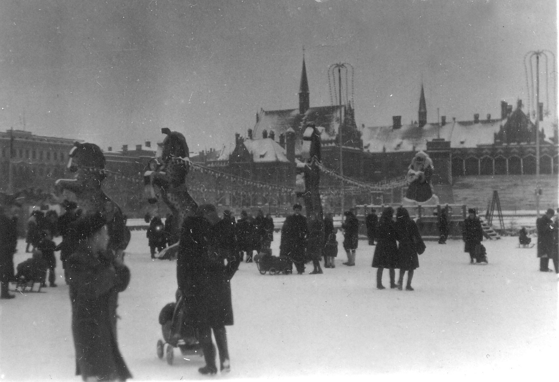 1955. Ёлочный базар