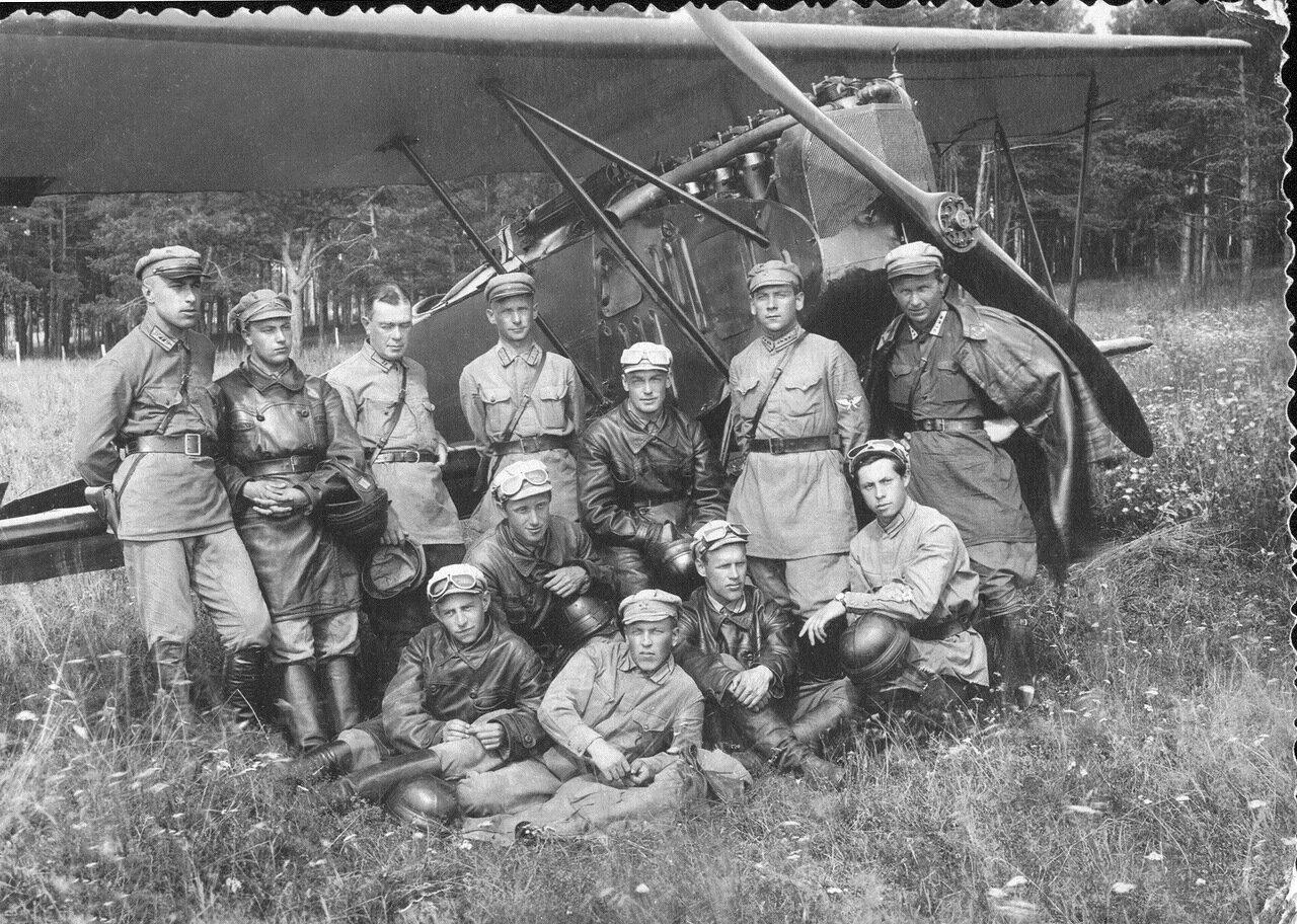 Фотография одной группы (ШВБ, Серпухов) 1927