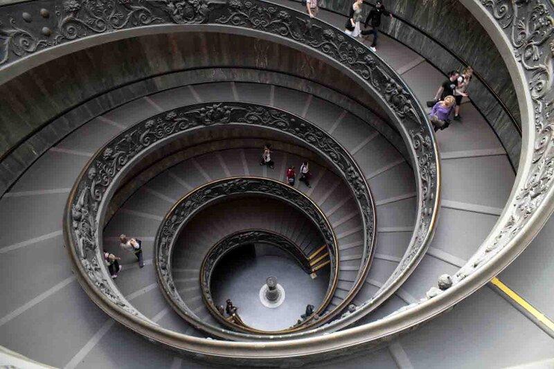 Константин Шульга, Командировка в Ватикан, музей, лестница