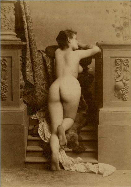 eroticheskoe-foto-retro-devushek