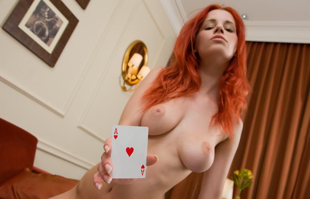 Эротический покер на раздевание игры 6 фотография